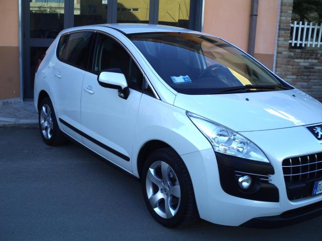 Peugeot 3008 usata 1.6 HDi 110CV FAP Tecno diesel Rif. 4735844